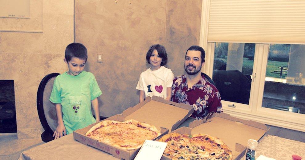 Bitcoin Pizza Day: În 2010, Laszlo Hanyecz a cumpărat 2 pizza cu 10 000 BTC